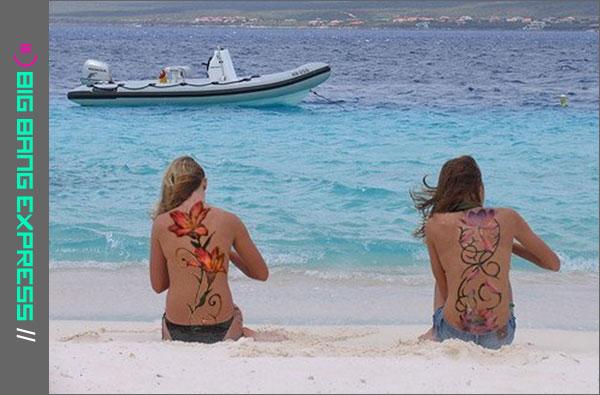 Op het strand van Bonaire - bikini-oefeningen